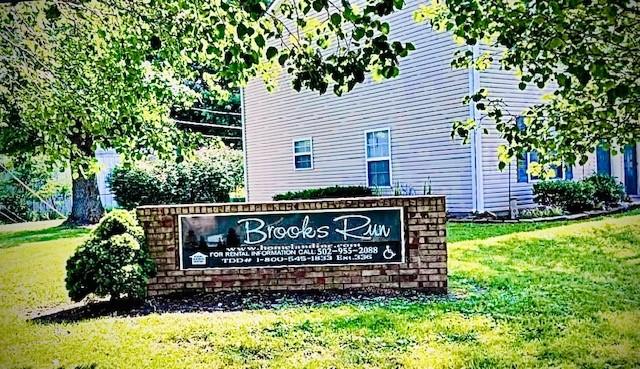 Brooks Run Sign