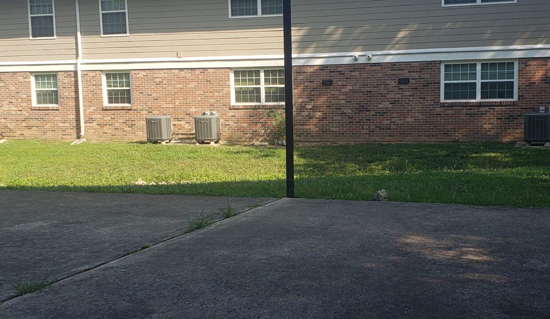 Outdoor basket ball area