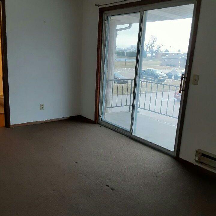 livingroom double patio doors